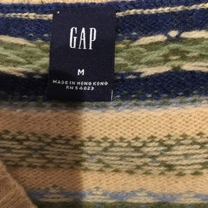 GAP Sweaters - Never worn Gap lamb wool v neck sweater. Size M.